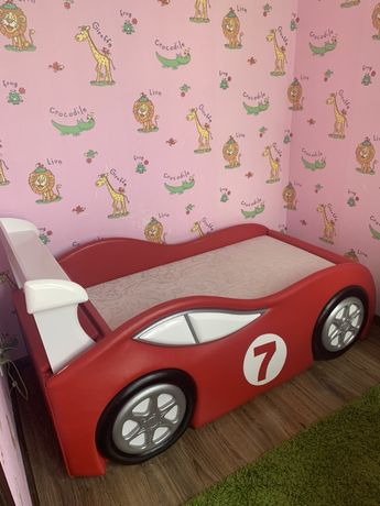 Ліжко машинка