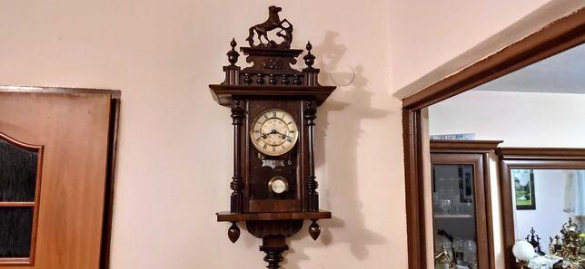 Junghans ,mały, wiszący ,stylowy zegar