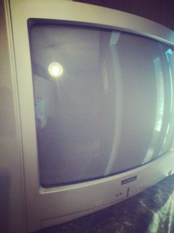 Televisão Crown - a funcionar