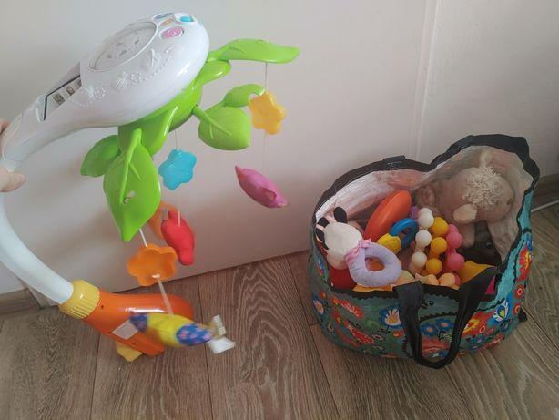 Zabawki niekotre nowe z metkami i karuzela