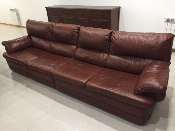 Sofa Pele 4 Lugares