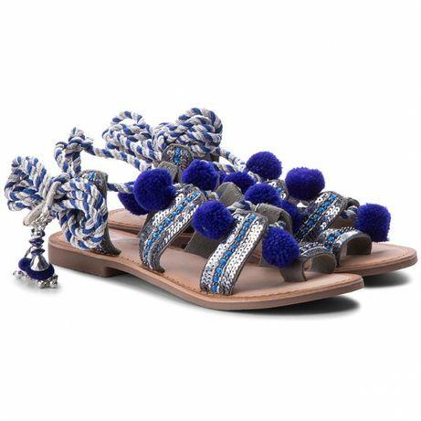 Sandały GIOSEPPO 36 wiązane pompony niebieski skóra naturalna