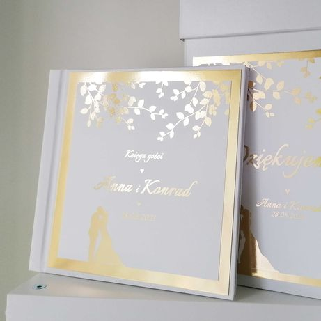 Piękna księga gości na wesele - złote listki i para młoda