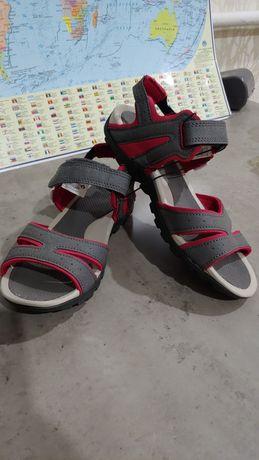 Продам новые удобные сандали 37р