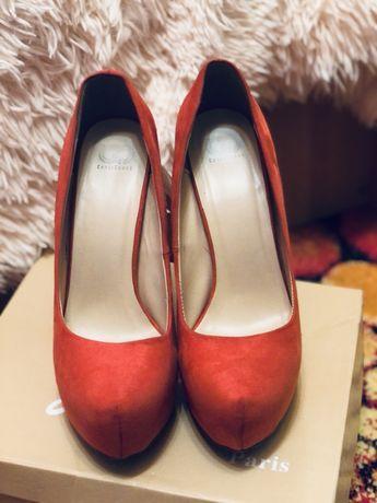 Туфлі еко-замш червоного кольору