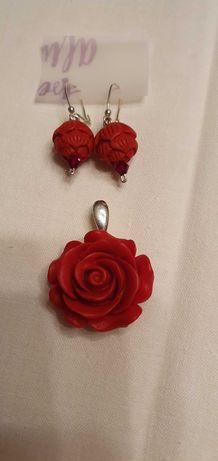 Piękny srebrny komplet, czerwone róże