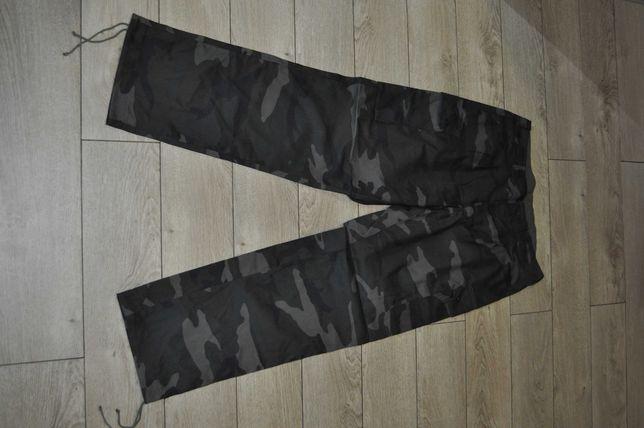 Камуфлированные новые брюки