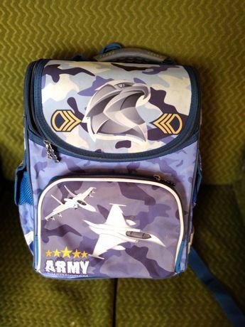 Рюкзак шкільний для початкової школи