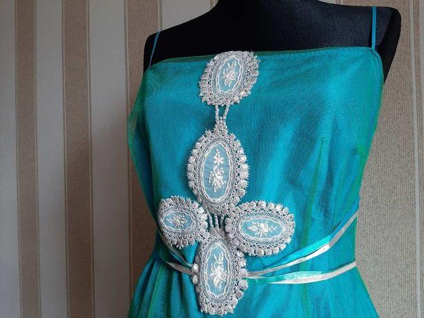 Платье нарядное. Натуральный шелк.