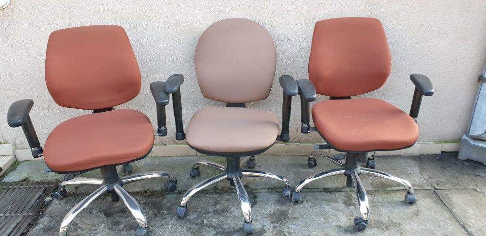 Fotel biurowy obrotowy brązowy Warszawa - image 1