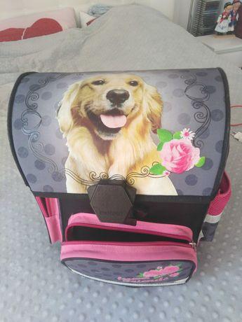 Tornister, teczka, plecak dla dziewczynki