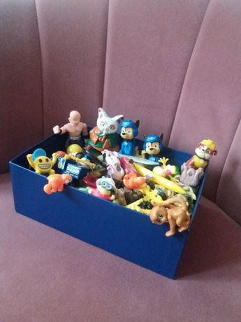 zestaw figurek kolekcjonerskich