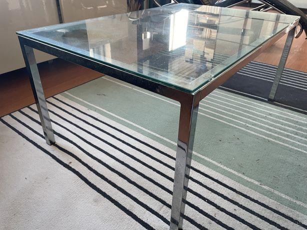 Area Store/Loja Habitat: Mesas centro/apoio de design em vidro/metal
