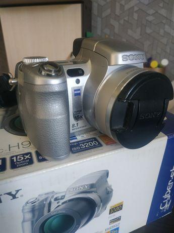 Цифровий фотоапарат Sony Cyber-shot DSC-H9, зарядне, 2 батареї, 4 Gb