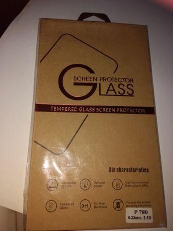 Защитное стекло Р780