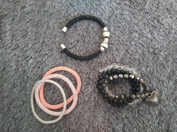 Bransoletki - czarna, magnes, srebrna, róż i fiolet, serce