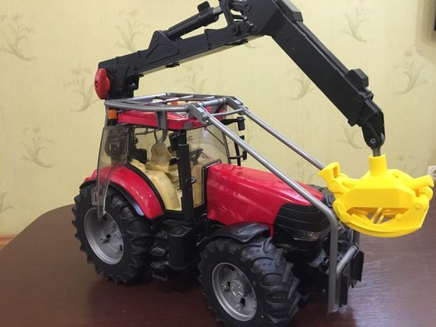 Трактор с прицепом Брудер (Bruder)