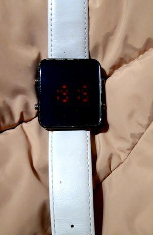 Часы женские  все по 150 р