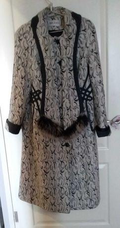 Пальто  размер 50 сделано в Харькове теплое   на   ватине.