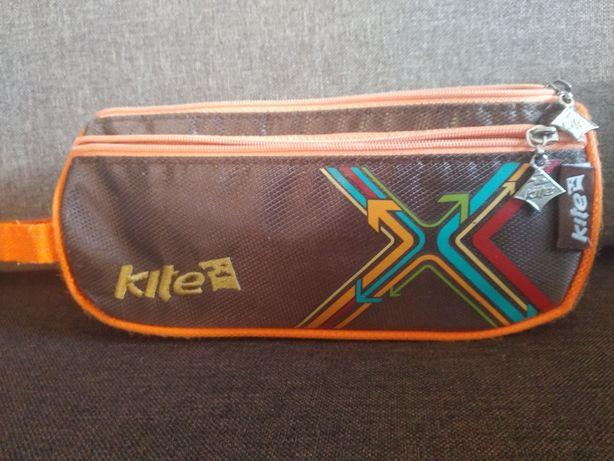 Продам школьный пенал Kite
