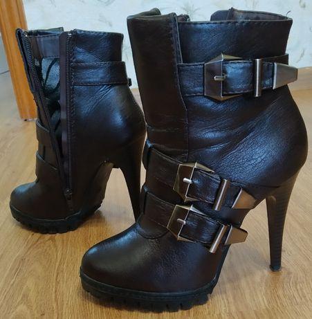 Демисезонные женские ботинки, 37 размер