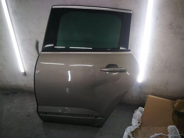 Дверка Peugeot  3008