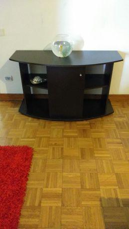 Mesa para Tv em madeira