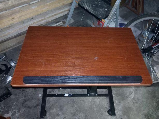 Składany stolik biórko pod laptopa na kółkach