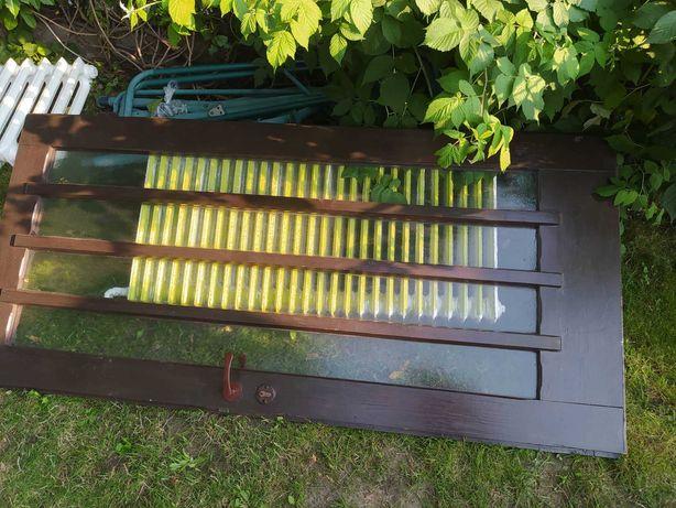 Drewniane drzwi z szybami 90 cm