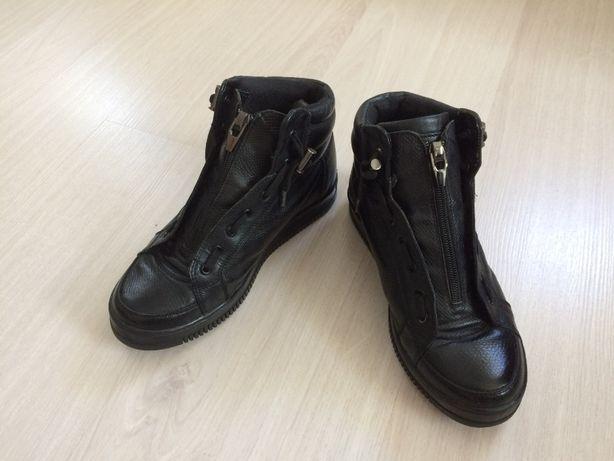 стильные кожаные зимние ботинки на подростка