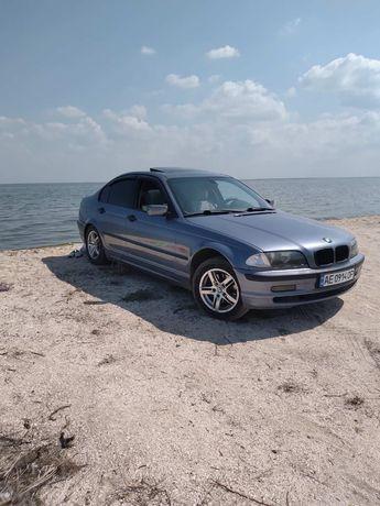 BMW 318 в хорошем состоянии