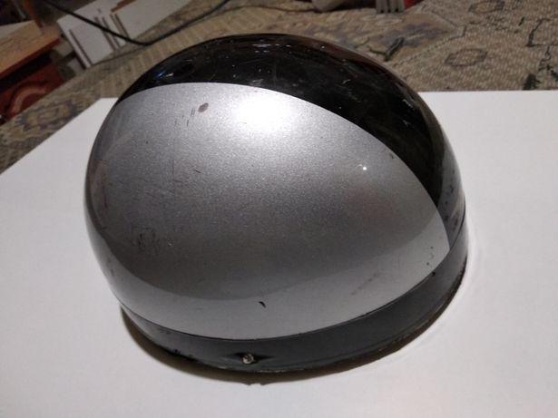 Продам шлем /скутер- мото Suzuki