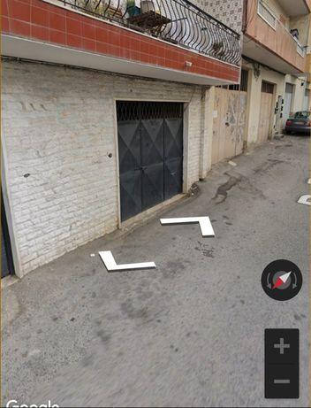 Alugo Armazém / Garagem
