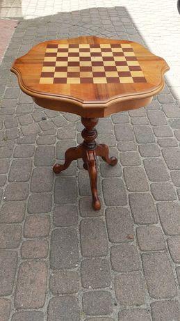 Stolik szachowy.