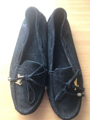 Louis Vuitton Mocassin (tamanho 37)