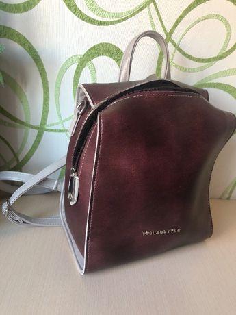 Рюкзак из эко-кожи на молнии