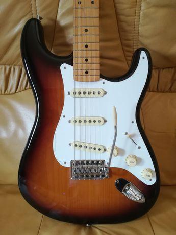 FENDER Fender Classic Series 50s Strat 2T-SB *NOVA*