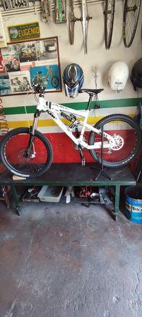 Bicicleta KTM caliber