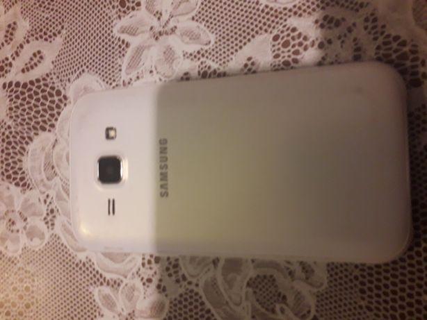 Telefon GalaxyJ1