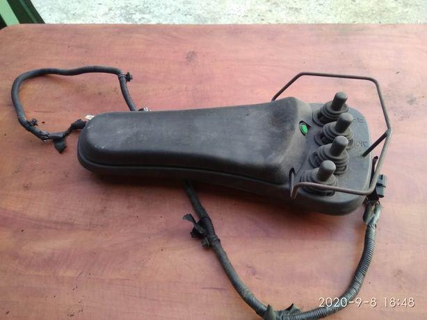 toyota wózek widłowy joystick 4 sztuki komplet z podłokietnik seria 7