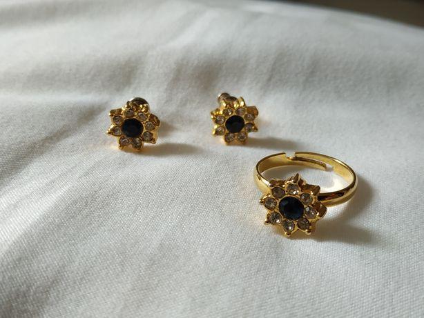Komplet biżuterii pierścionek regulowany i kolczyki wkrętki