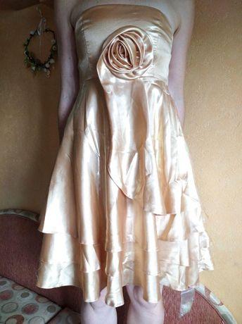Нарядное платье на подростка размер S, рост 155-164