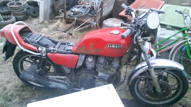 Yamaha xj 550 cała