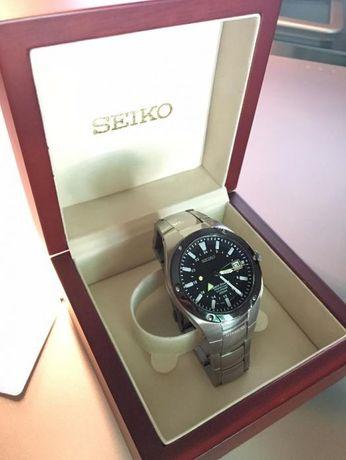 Relógio SEIKO Sportura 8F56-0120 Titanium Perpetual Calendar