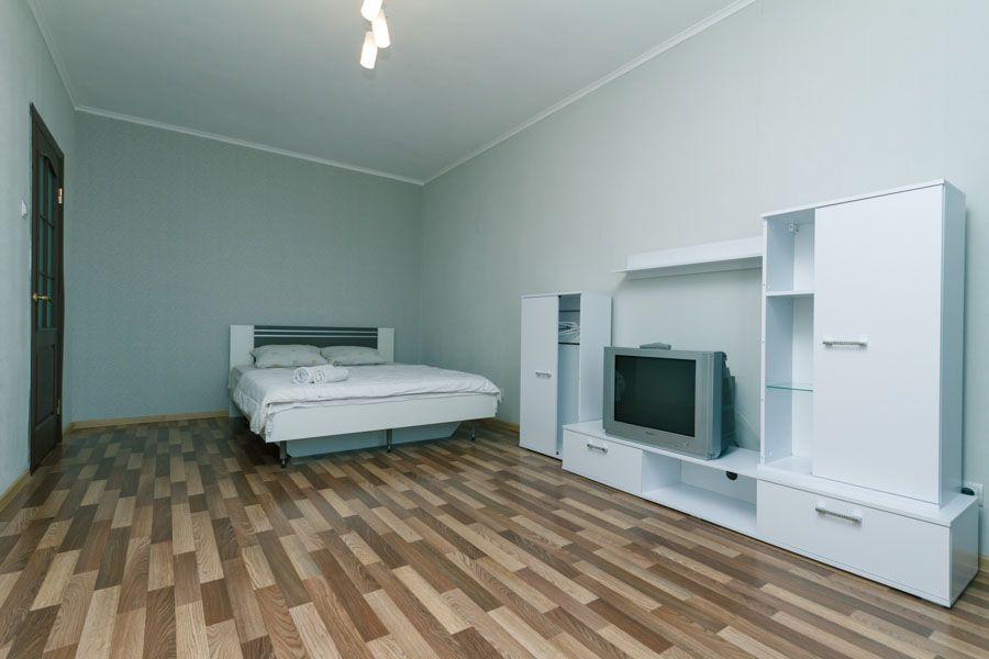 Своя 1-комнатн. квартира посуточно метр Позняки,Осокорки ул. Чавдар 34-1
