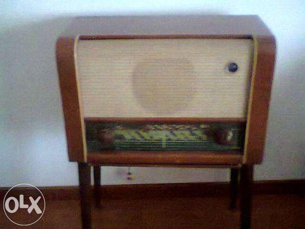 Rádio Luxor - Antiguidade