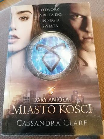Książka Cassandra Clare - Dary Anioła Miasto Kości Tom I