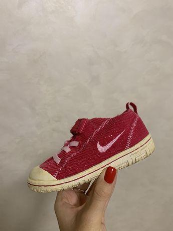 Кеди Nike червоні