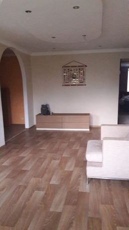 Продается 3 комнатная квартира с новым евроремонтом Новоайдар
