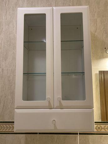 Móvel superior de casa de banho